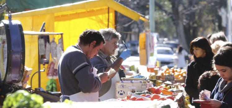 Ferias de Abastecimiento Barrial de Saavedra y Colegiales. Fotos Andres Perez Moreno / prensa Ambiente y Espacio Publico GCBA